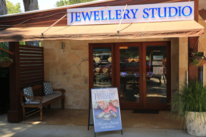 Matthew West Jewellery Studio, Tamborine Shopping, Gallery Walk